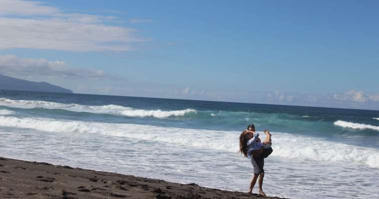 Suitcase Six beach-carry Woman of the Week: Sarah S.