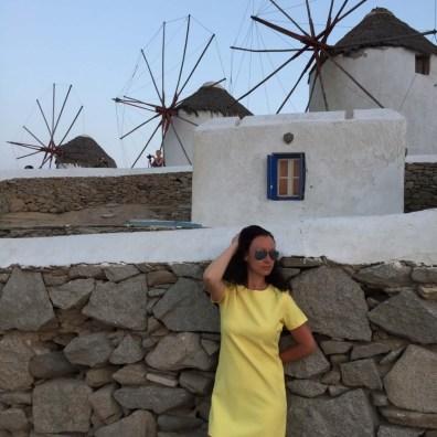 Suitcase Six Mykonos-2 Woman of the Week: Natalia