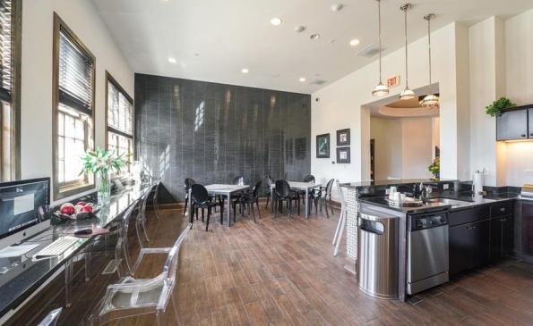 renew lounge