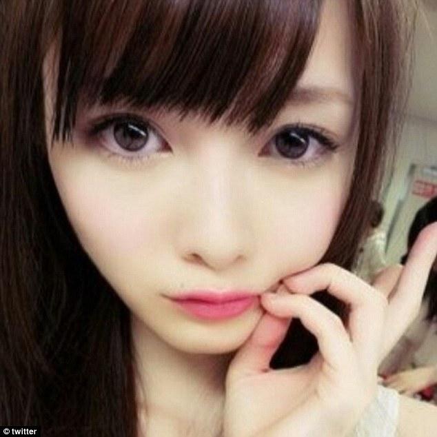Tren MakeUp Wajah Pucat Populer di Jepang 4