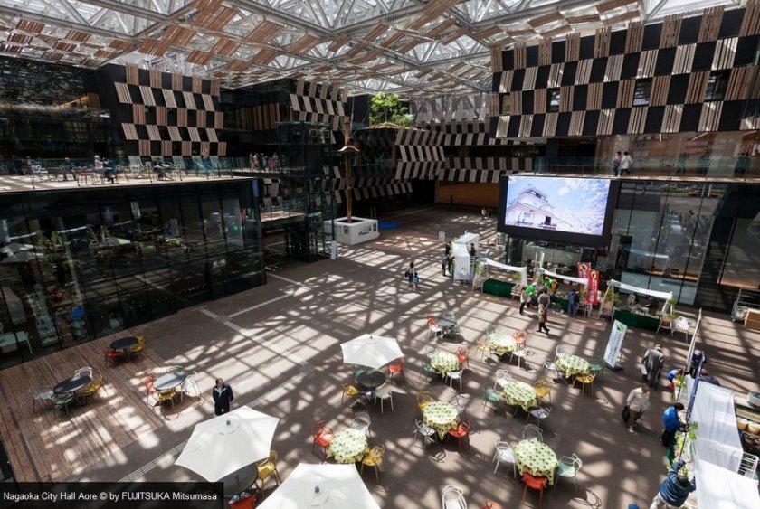 Balai Kota Jepang Menarik Lebih Banyak Pengunjung Dari Taman Hiburan