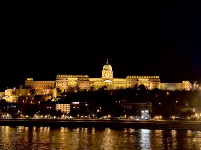 Ночной замок Буда (Buda Castle)