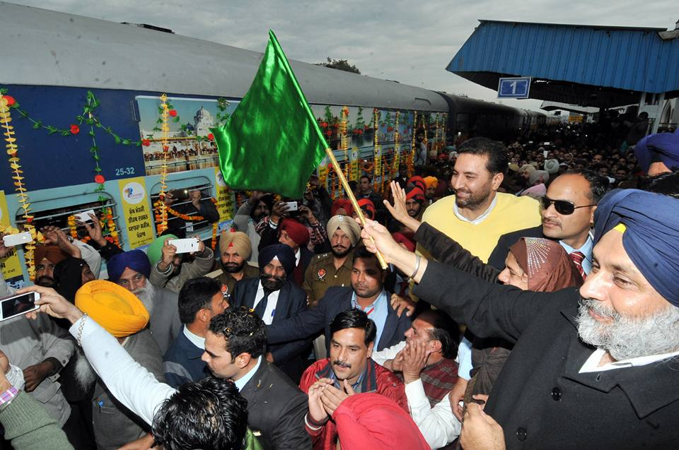 5th Pilgrim Train From Malerkotla to Ajmer Sharif Dargah - Sukhbir Singh Badal (4)