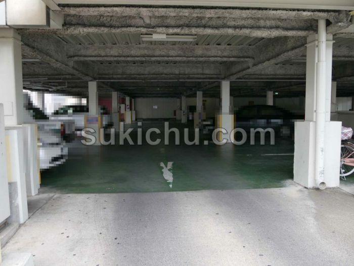 アイ・エヌ・キッチン(i-n-kitchen)駐車場