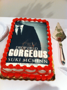 drop dead gorgeous cake pic swiped from blog