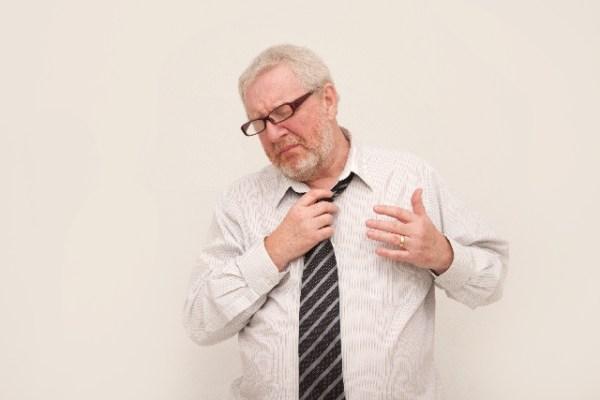 肺に水がたまる症状の病気、原因は?治療して治るものなの?