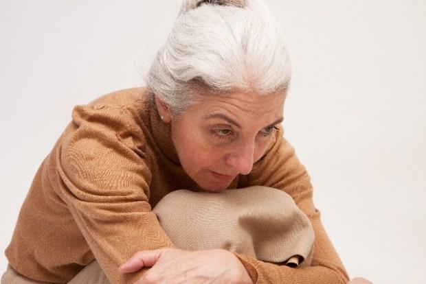 寒くないのに体が震える症状の原因は?病気?ただのストレスなの?