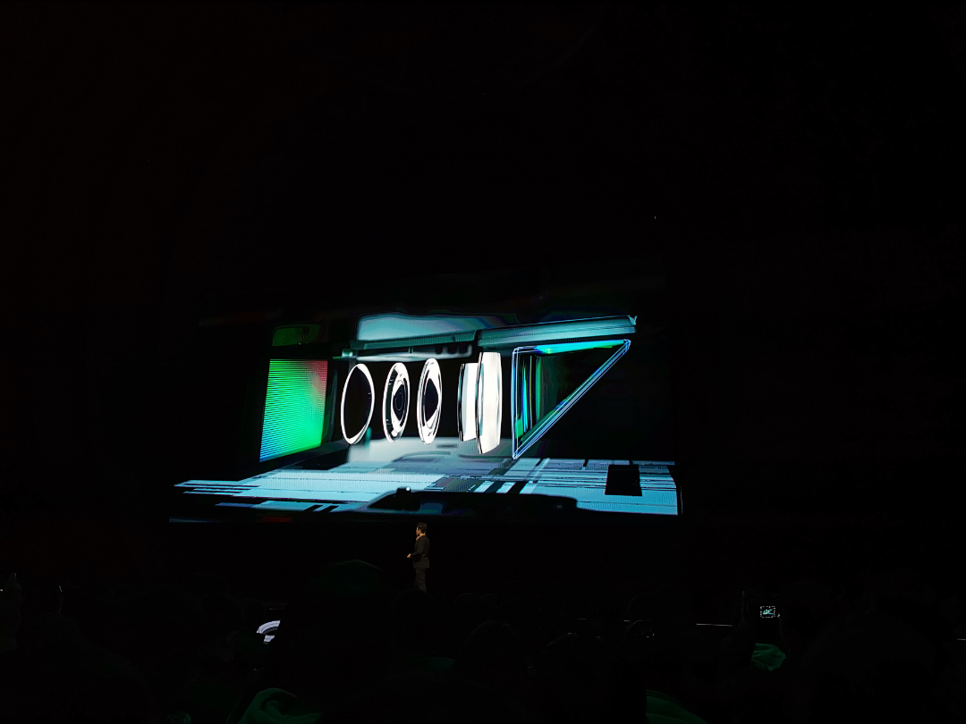 Reno 十倍混合光學變焦 潛望式鏡頭