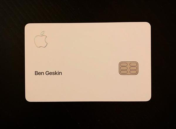 Apple Card 正面