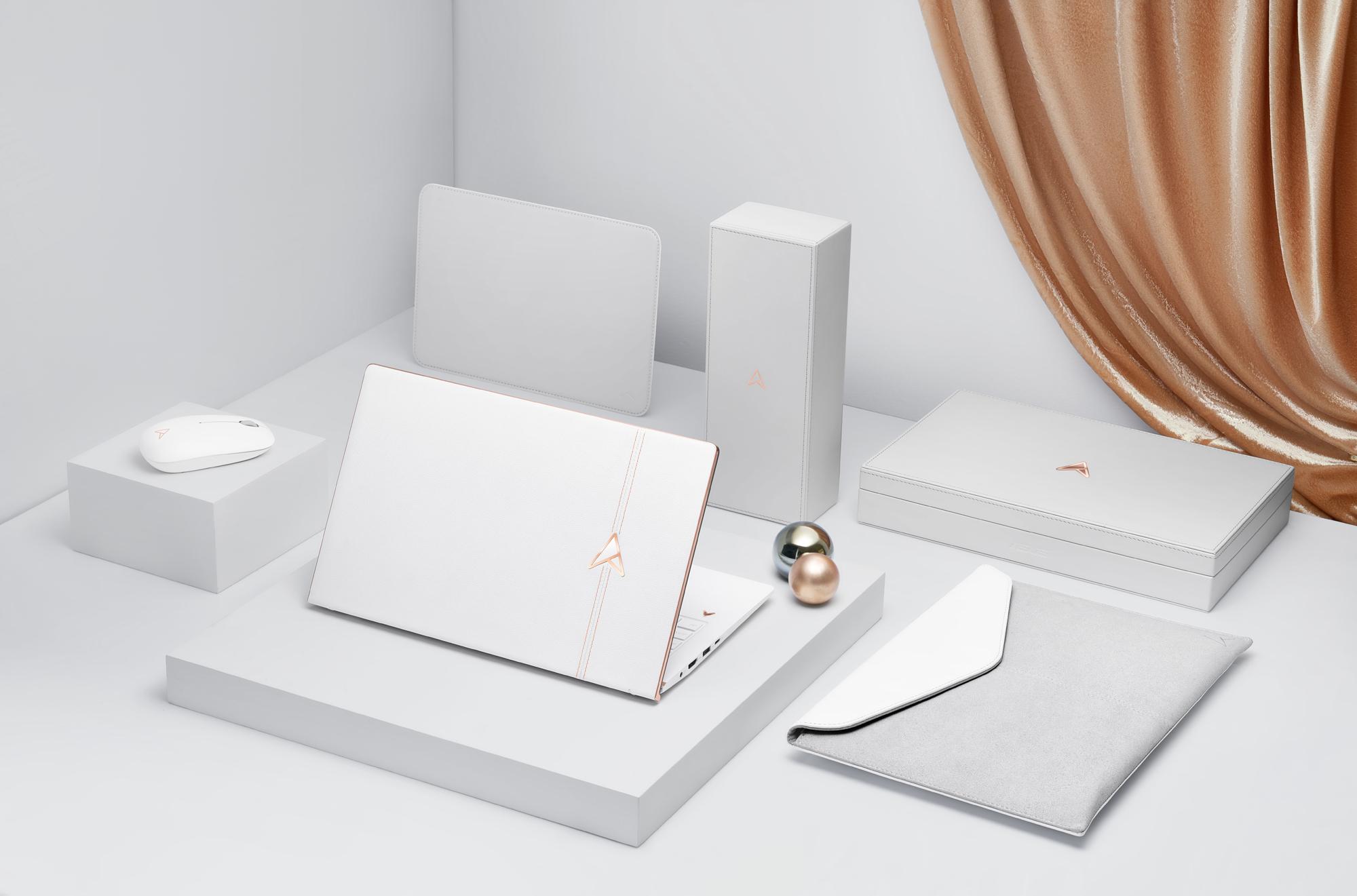 ASUS ZenBook Edition 30 配備全套精品級配件,包含珍珠白滑鼠、皮革滑鼠墊與收納盒,以及真皮保護套,呈現獨一無二之美。