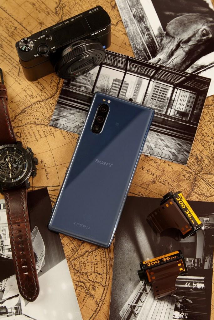 Sony Mobile 年度策略色為藍色,2020年入手Xperia 5璃光藍走在潮流前端!