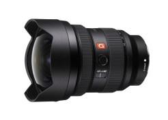 1) Sony 全新 FE 12-24mm F2.8 GM 鏡頭僅847g,是同級鏡頭中最輕量化的設計;搭載雙組XD線性馬達的浮動對焦機制,能安靜地以出色的速度和精準度對焦追蹤。