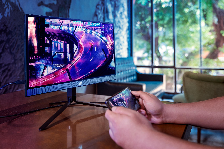 ROG Strix XG17AHP,1公分超薄外型,重量僅1060公克,方便玩家隨時隨地享受極致遊戲視覺體驗。