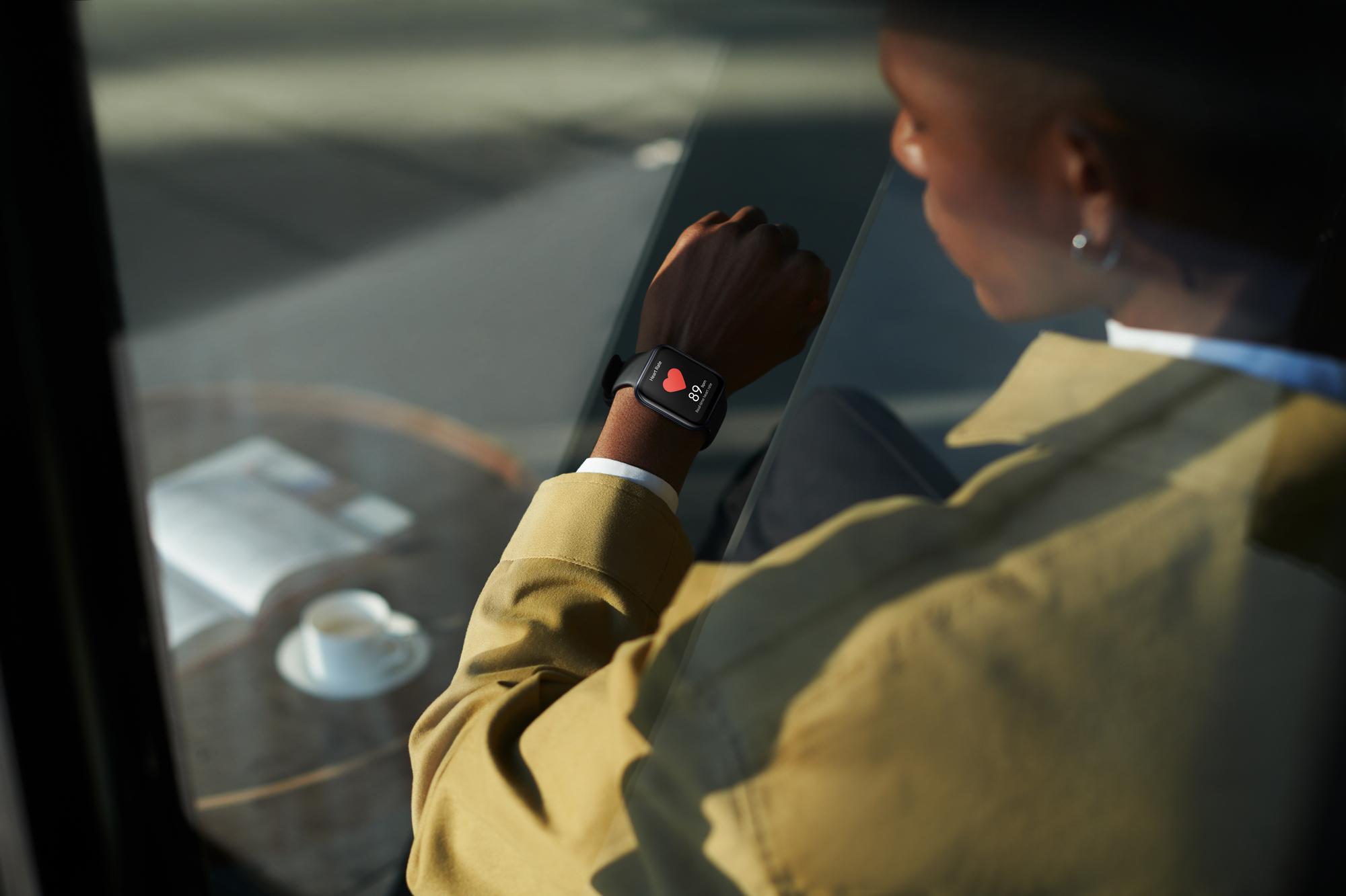 OPPO Watch系列配備運動健康監測,搭配HeyTap Health APP能夠更全方位了解使用者日常的運動與健康狀態。