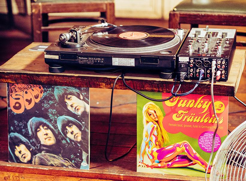 Plattenspieler und Schallplatten