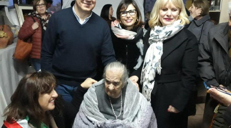 Bacu Abis. 100 candeline per nonna Ines