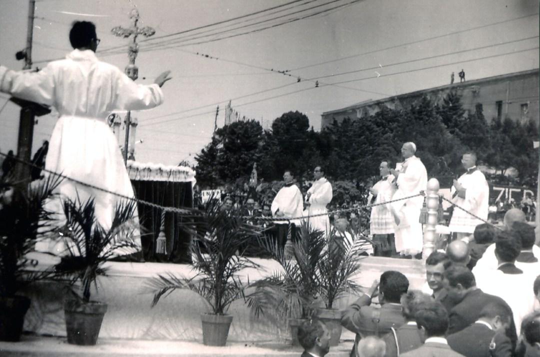 foto-02-cerimonia-religiosa-con-papa-paolo-vi