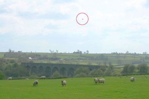 Blimp previously flown next to the wind farm site at proposed turbine height of 125 metres (410 feet)