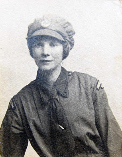 Lillian Taylor of Sulgrave, Women's Royal Air Force, died November 1918, aged 9