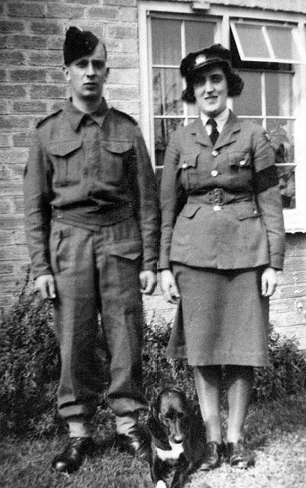 Len and Doris Branson outside 11 Spinners Cottages