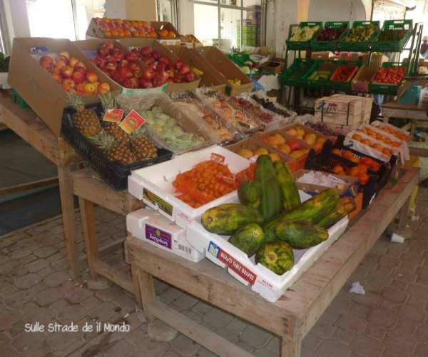 bancarella frutta