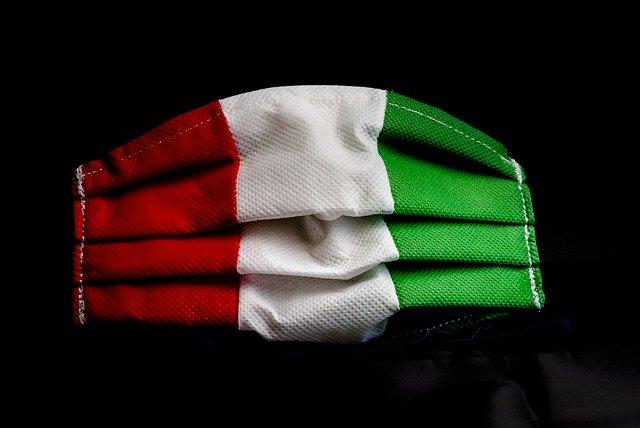 mascherina bandiera italiana tricolore