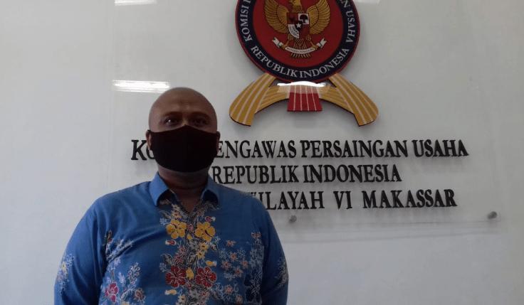 Ketua KPPU makassar, Hilman Pujana di Kantor KPPU Makassar.