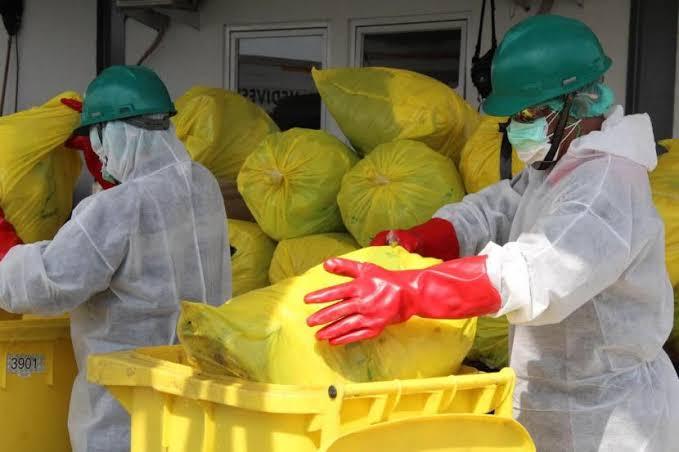 Ilustrasi pengangkutan limbah medis di Rumah Sakit