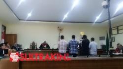 Empat saksi KPK saat menghadiri sidang di Pengadilan Tipikor Kendari, Rabu (28/11/2018). (Foto Ifal Chandra/SULTRAKINI.COM)