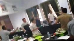 Ketua DPRD Bombana Hunus Badik Saat Rapat