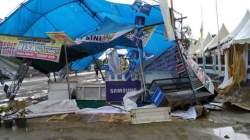 Stand Pameran Ekspo HUT Kolaka Porak-poranda Dihantam Angin Puting Beliung