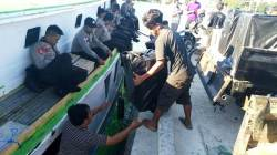 Sauana pendistribusian logistik pemilu di Wakatobi. (Foto: Amran Mustar Ode/SULTRAKINI.COM).