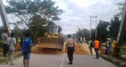 Putus Akibat Banjir, Jalan Jembatan Ameroro di Konawe Mulai Diperbaiki