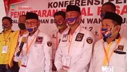Video_ Diantar Ribuan Pendukung, Pasangan Tony Herbiansyah – Baharudin Resmi Mendaftar di KPU Koltim
