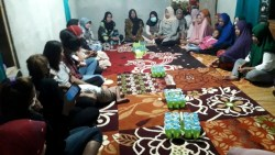 Istri Calon Kepala Daerah Rusman-Bahrun Tatap Muka dengan Masyarakat Kontu