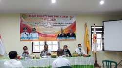 Wakil Wali Kota Baubau, La Ode Ahmad Monianse saat membuka rapat anggota KONI (Foto: Aisyah Welina/SULTRAKINI.COM)