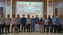 Jajaran Pejabat Polda Sultra foto bersama Pimpinan Organisasi Media, Sabtu (21 Maret 2021). Foto: IST
