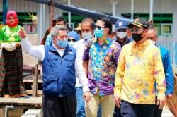 La Bakry Resmikan Permukiman Komunitas Adat Terpencil di Lasalimu