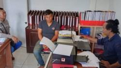Anggota Sat Reskrim saat memeriksa terduga penambang Ilegal (Foto: Ist)