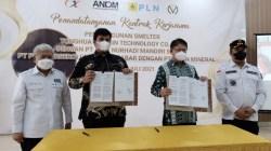 Penandatanganan bersama kontrak jual beli listrik dengan PLN dan kontrak pembangunan smelter nikel, di AAS Building Jalan Urip Sumoharjo, Bone, Makasar, Jumat (2/7/2021). (Foto: Ist)