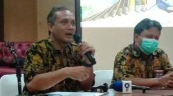 Kepala KPPN Kendari, Tegut Retno Sukarno, (kiri) (Foto: Wa Rifin/SULTRAKINI.COM)
