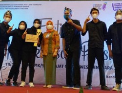 """Puisi """"Aku Perempuan"""" Antarkan Siswa SMAN 1 Kendari Wakili Sultra Diajang Nasional"""