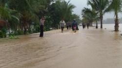 Baubau Kebanjiran, Akses Jalan Macet Total