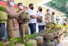 Photo of Jual Diatas HET, 2 Pangkalan Gas Elpiji Dikonawe Diperiksa Polisi