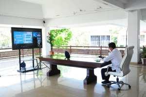 Terkait Pengarahan Menjamin Akuntabilitas Pelaksanaan Anggaran dan Barang Jasa, Walikota GSVL Rapat Vidcon Bersama Menteri Dalam Negeri