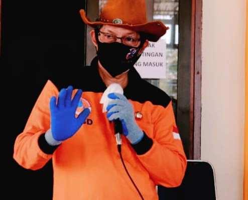 Walikota GSVL Salurkan Secara Simbolis 5360 Paket Bantuan Social Safety Net Untuk Masyarakat di Kecamatan Wenang