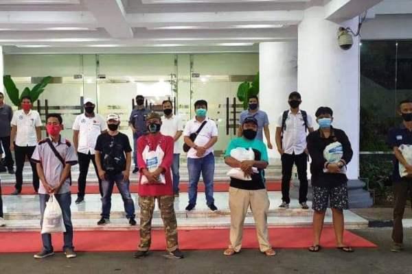 Tetap Jalankan Tradisi Ditengah Pandemi Covid-19, JIPS Berbagi Kasih dengan Petugas Kebersihan