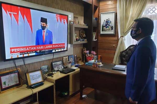 Presiden Joko Widodo Selaku Inspektur Upacara, Walikota GSVL Ikuti Upacara Hari Lahir Pancasila Secara Virtual