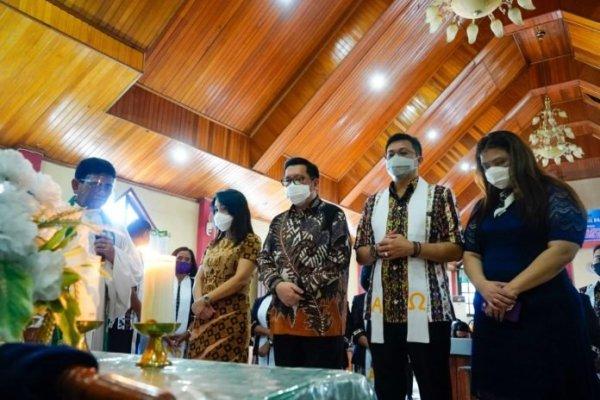 Didoakan Pelayan Khusus, Mor-HJP Hadiri Ibadah Ulang Tahun ke- 125 GMIM Pniel Kairagi 1