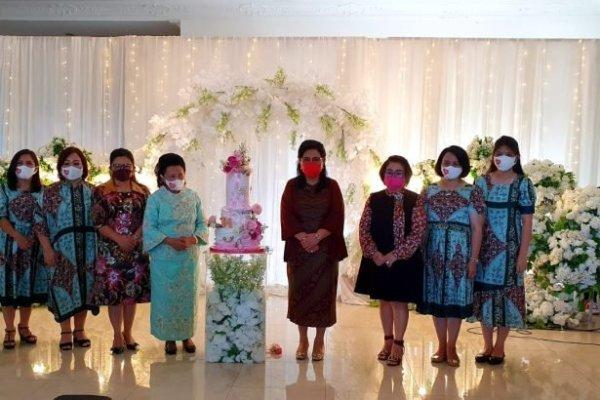 Keluarga Dondokambey-Tamuntuan Ucapkan Selamat Ulang Tahun ke-74 kepada Ketua MD GPdI Sulut